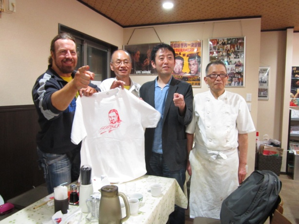 Having a good time at Rikidozan's former chef's restaurant in Tokyo.