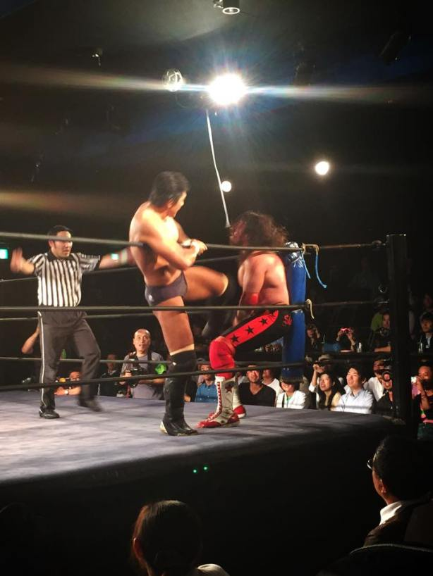 Masa Funaki kicking like a government mule! (Photo by Hidekazu Tsuge)
