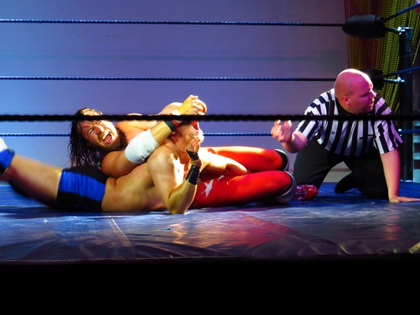 I've perfected my Rebel Lock crossface submission just for Vendetta! (photo: Mara Backman)